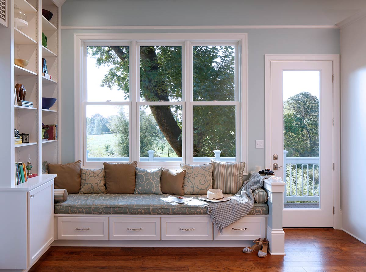 custom built in cabinets and window seats - home remodeler OR - Henderer Design + Build