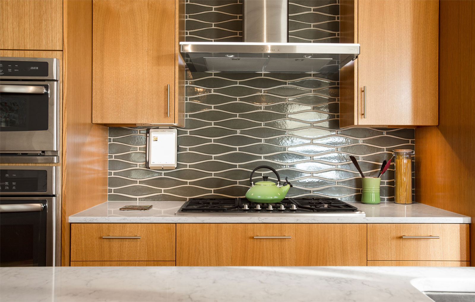 modern kitchen design - Henderer Design + Build, Corvallis OR