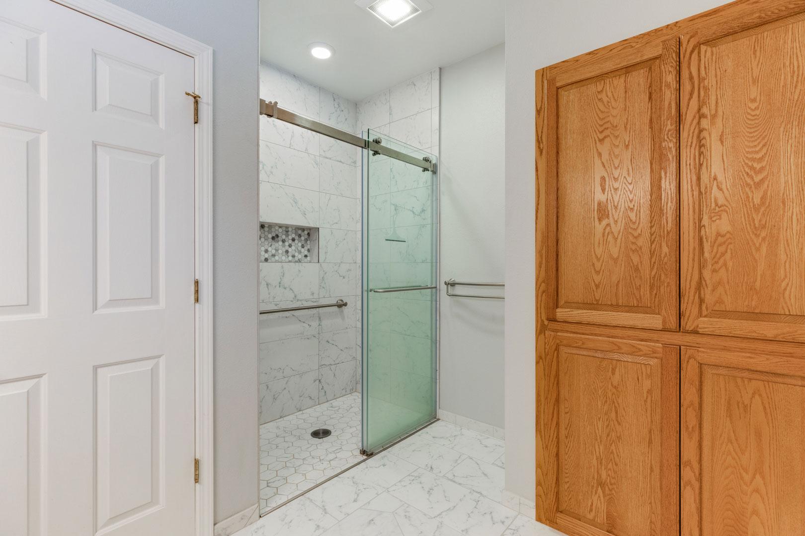 bath remodel - Henderer Design + Build, Corvallis OR