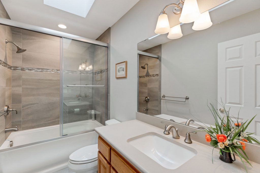 bath remodel - Henderer Design + Build, Corvallis OR