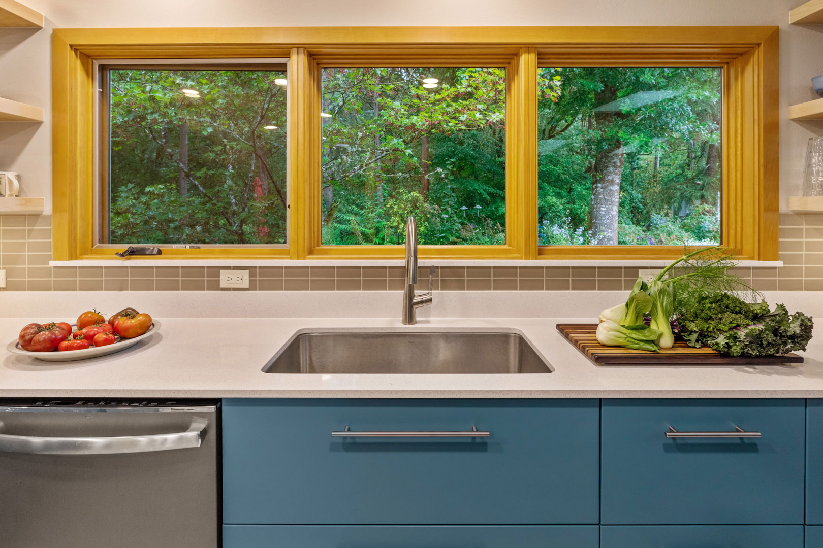 modern kitchen design - Henderer Design + Build, Corvallis OR