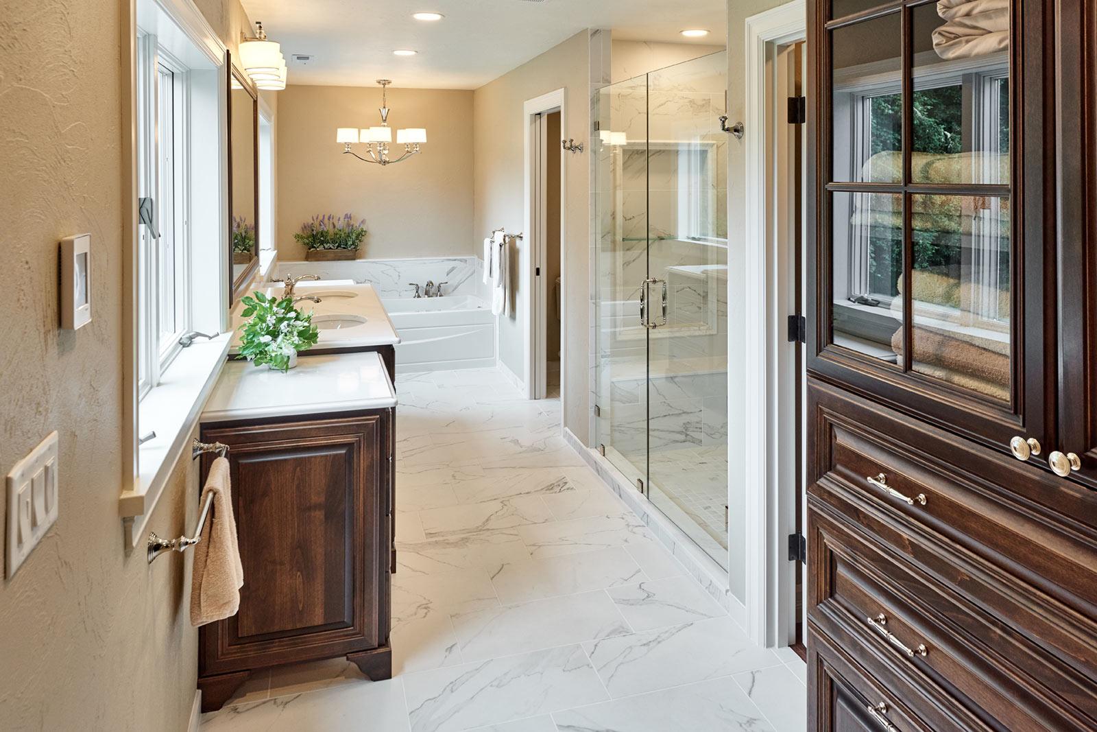 traditional master bathroom remodel - Henderer Design + Build + Remodel